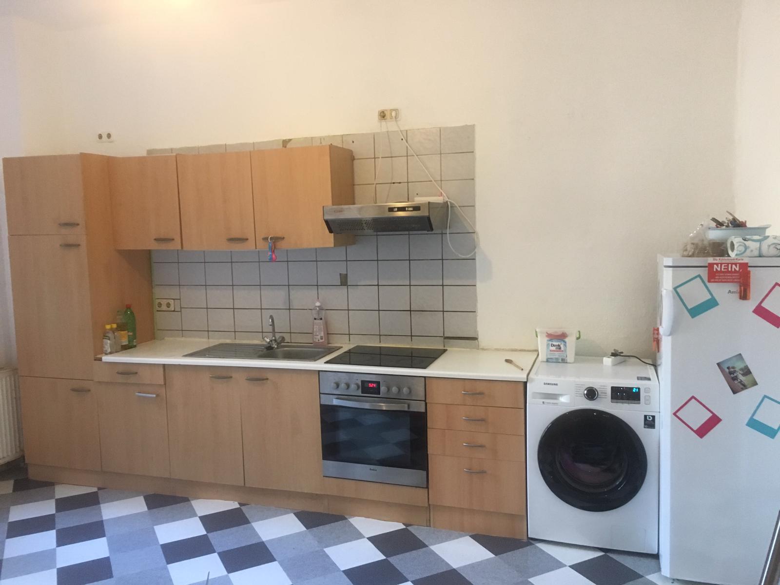 Ein neuer Boden und neue Farbe für die Küche - Froschkönige